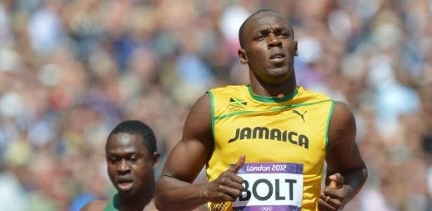 Usain Bolt core nas eliminatórias dos 100 m rasos; jamaicano venceu com facilidade