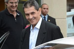 Roberto Jefferson deixa o hospital Samaritano, no Rio, onde faz tratamento contra um câncer no pâncreas