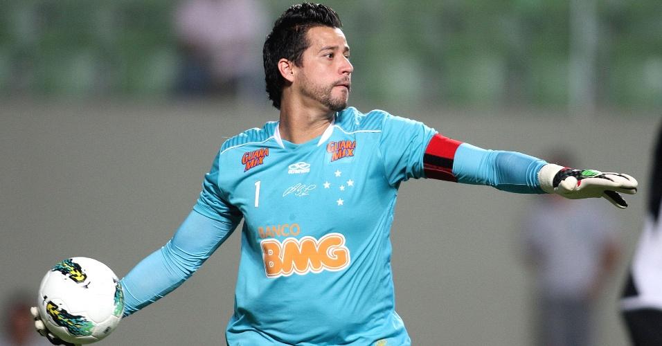 Goleiro Fábio durante a derrota do Cruzeiro para a Ponte Preta por 2 a 1 (5/8/2012)