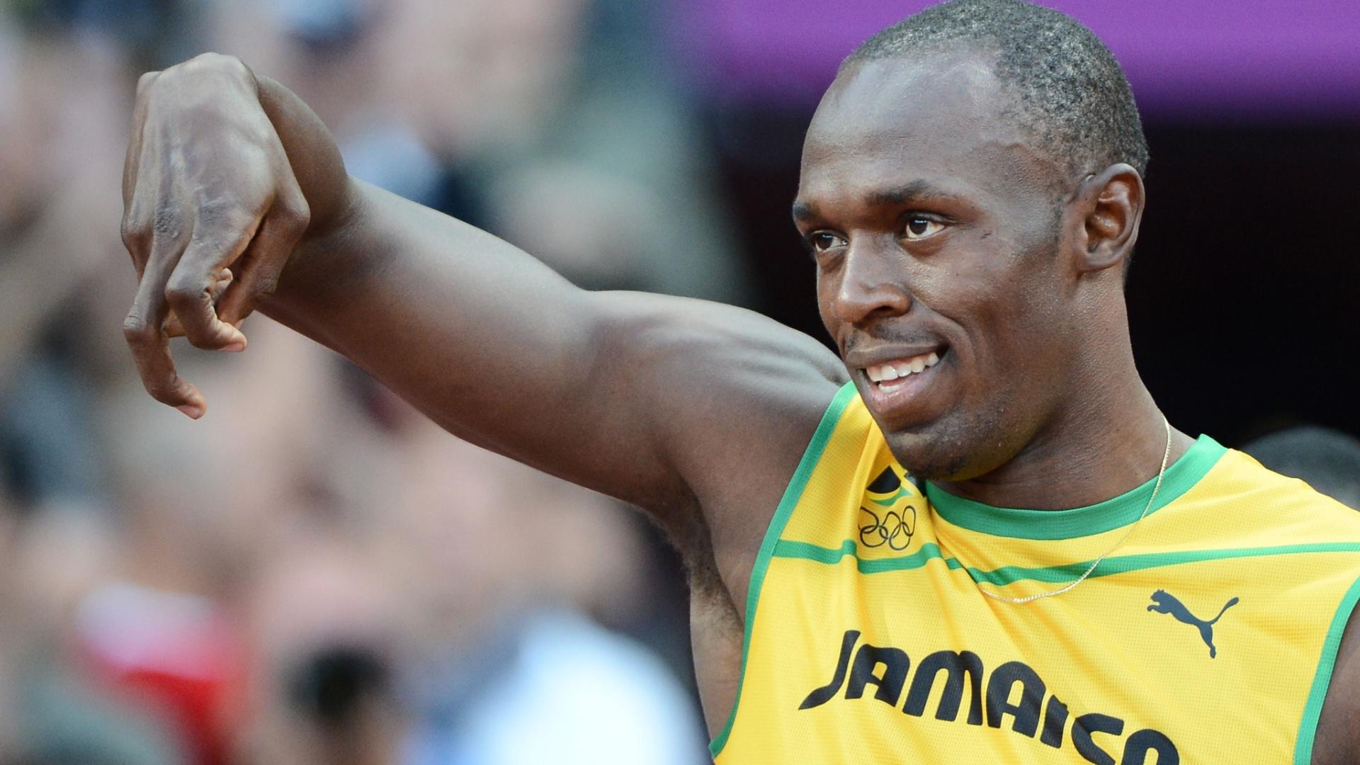 Jamaicano Usain Bolt gesticula antes de competir na série semifinal dos 100 m rasos