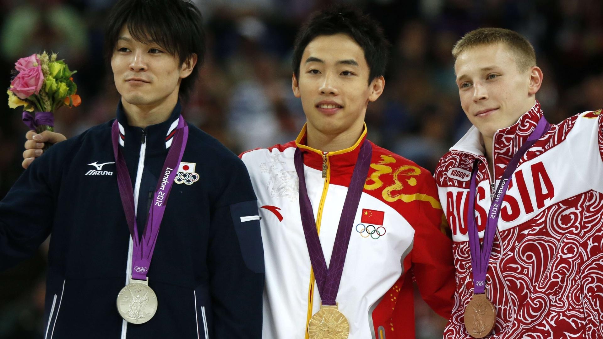 Pódio da final de solo da ginástica artística teve Kohei Uchimura (prata), Zou Kai (ouro) e Denis Ablyazin (bronze)