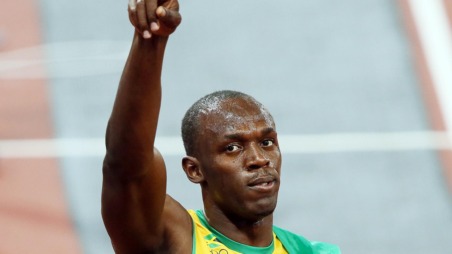 Usain Bolt celebra vitória na final olímpica dos 100 m rasos