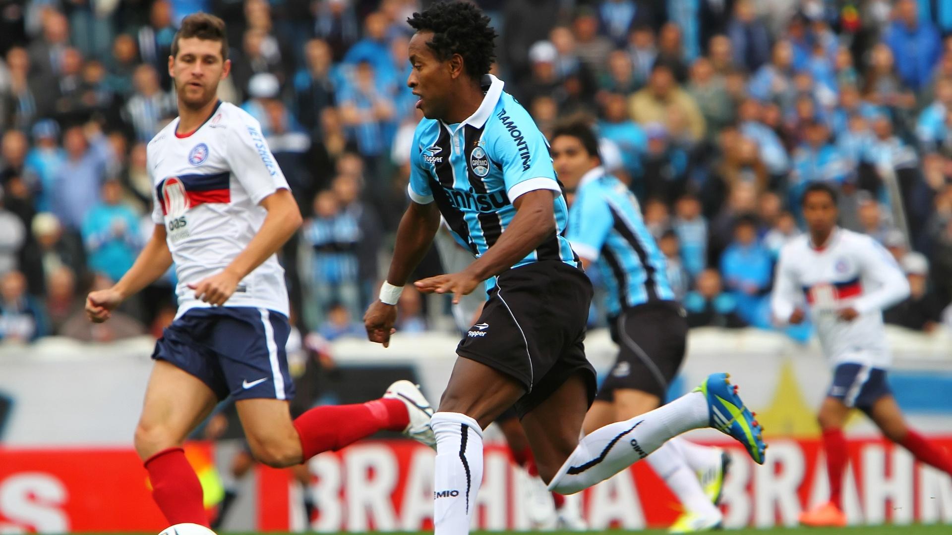 Zé Roberto arma jogada do Grêmio contra o Bahia