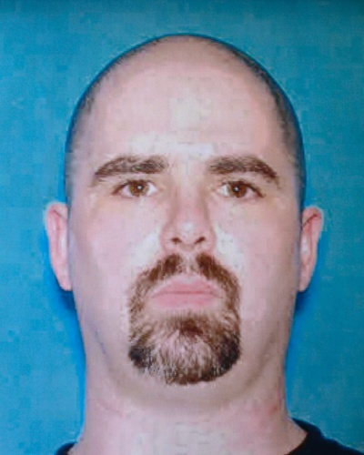 6.ago.2012 - Foto divulgada pelo FBI de Wade Michael Page, 40, suspeito de ser o autor dos disparos que mataram seis pessoas durante uma cerim&#244;nica sikh, religi&#227;o da &#205;ndia, durante uma cerim&#244;nia em Wisconsin, nos EUA, no domingo (5). Page seria um ex-veterando do Ex&#233;rcito americano, que serviu de 1992 a 1998