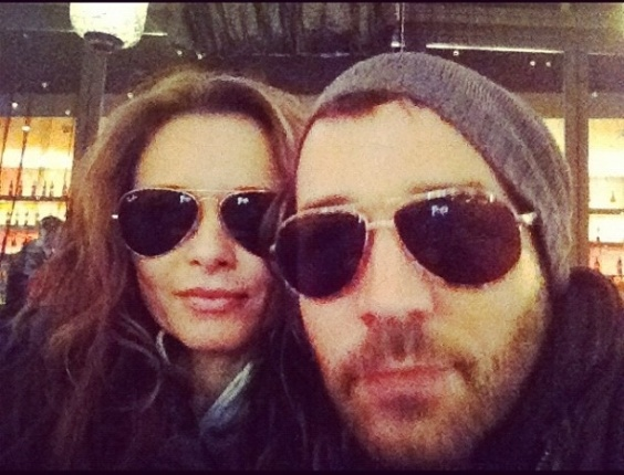 A atriz Rita Guedes postou foto com o ator americano Jeremy Piven, em seu Instagram, nesta segunda-feira (6). &#34;Eu e Jeremy Piven in LA, depois da malha&#231;&#227;o.... Um cafezinho para esquentar&#34; , escreveu ela na legenda