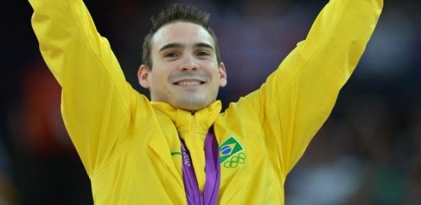 Arthur Zanetti comemora a conquista da medalha de ouro após vitória na prova das argolas nos Jogos de Londres (06/08/2012)
