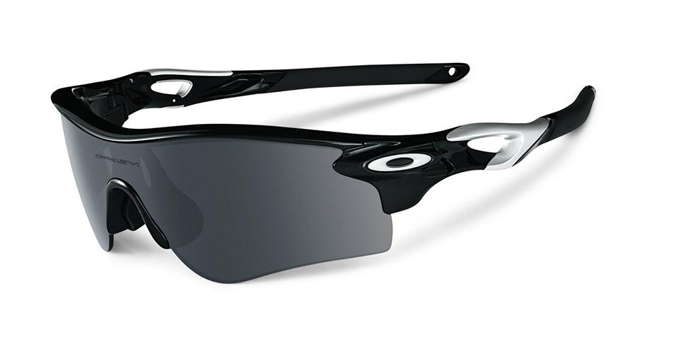 ESPORTIVO - Óculos modelo Radar Path voltado para a prática de corrida; R$ 770, na Oakley (Tel.: 11 4003-7822) Preço pesquisado em agosto de 2012 e sujeito a alteração