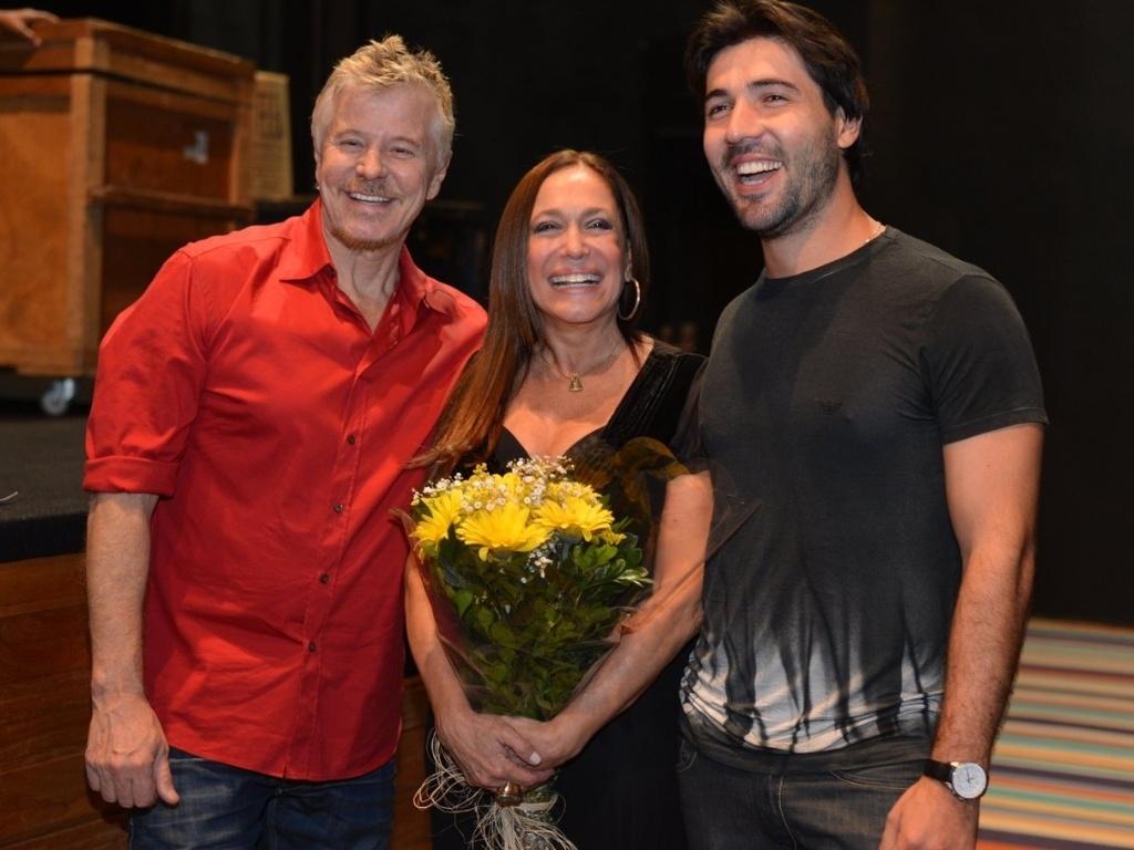 Falabella, Susana Vieira e Sandro Pedroso após a sessão de convidados da peça