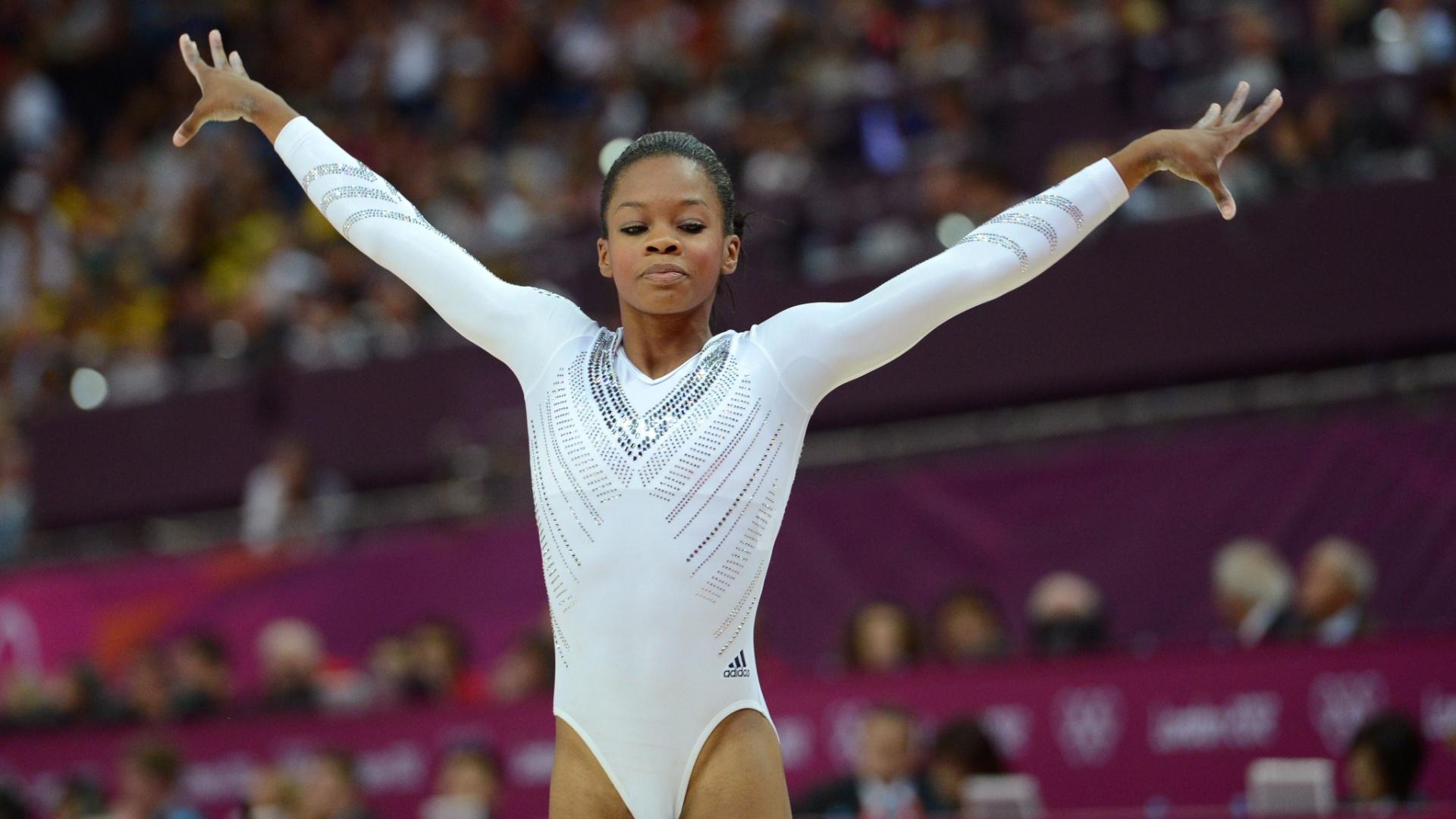Norte-americana Gabrielle Douglas encerra sua série de trave; a ginasta caiu durante a apresentação e ficou apenas em sétimo lugar