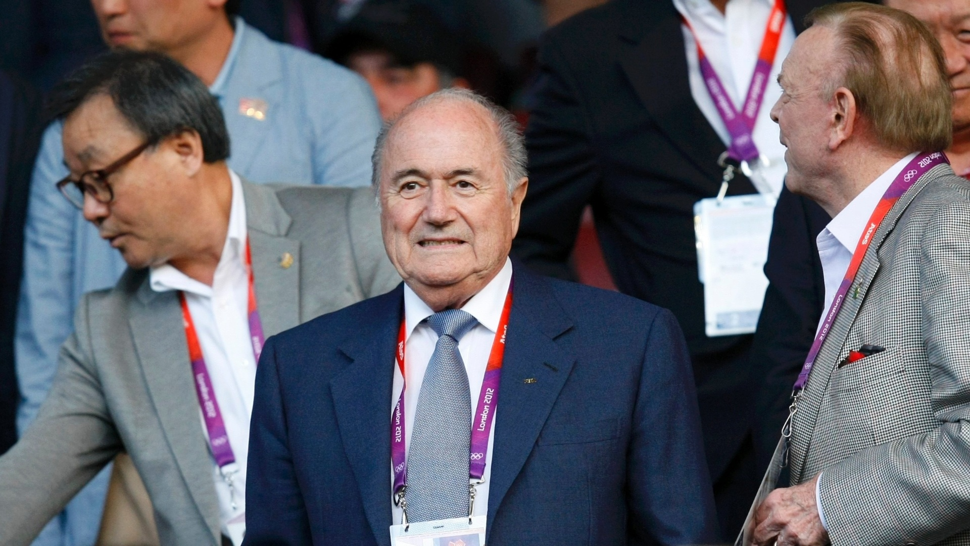Presidente da Fifa, Joseph Blatter, ao lado do presidente da CBF, Jos Maria Marin, acompanham o jogo entre Brasil e Coreia do Sul