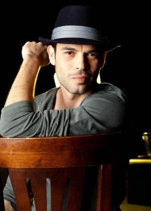 """Robson Moura ficou famoso após dar voz a trilha sonora de """"Avenida Brasil"""" (2012)"""