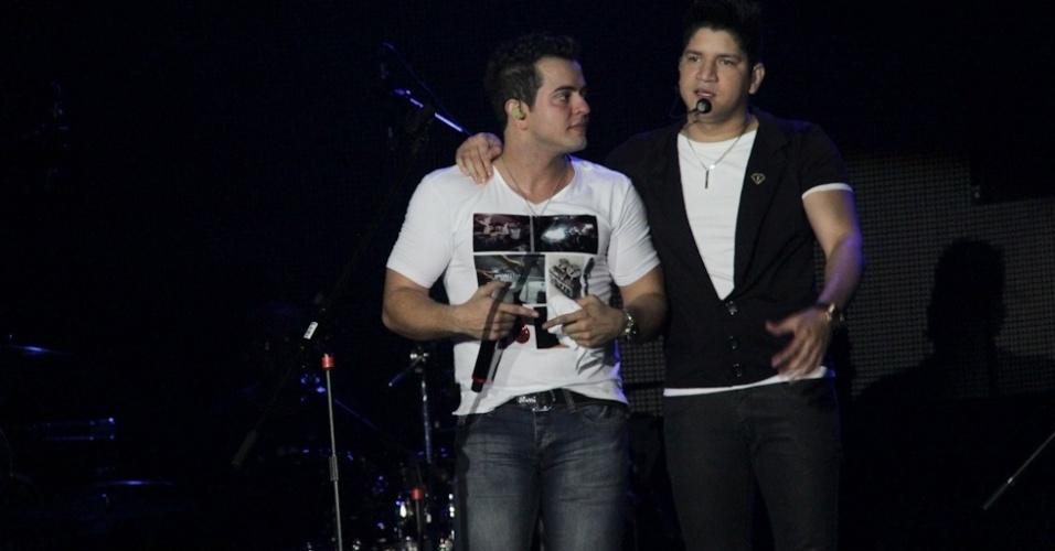 A dupla Henrique e Diego gravou seu primeiro DVD em show especial no Ondara Palace, em Campo Grande (7/8/12)