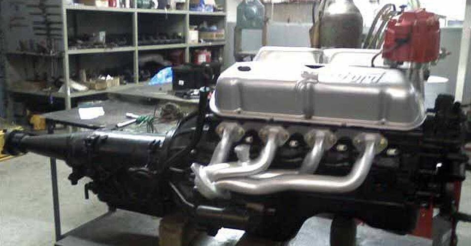 Ford 32 recebeu ainda motor 5.0 V8 de Mustang 1995. Alma nova em corpo refeito