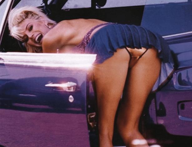 Heidi Klum publica foto antiga em que aparece com o bumbum à mostra (7/8/12)