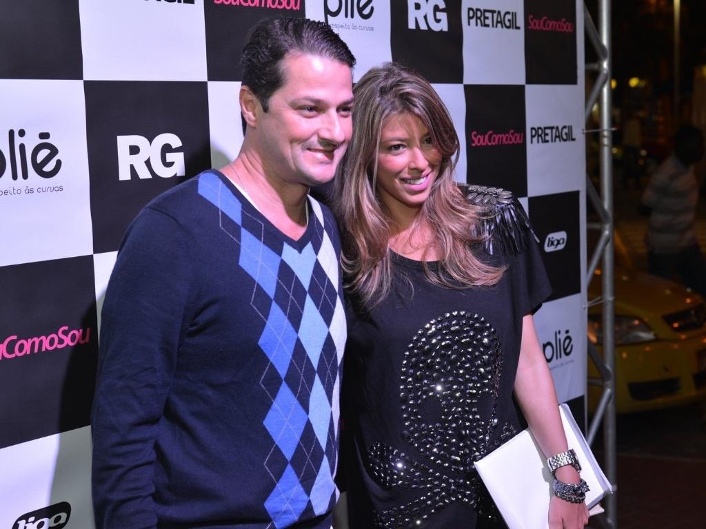 Marcelo Serrado com sua mulher Roberta Fernandes. Os dois se casaram no último fim de semana e Preta cantou durante o evento (8/8/12)