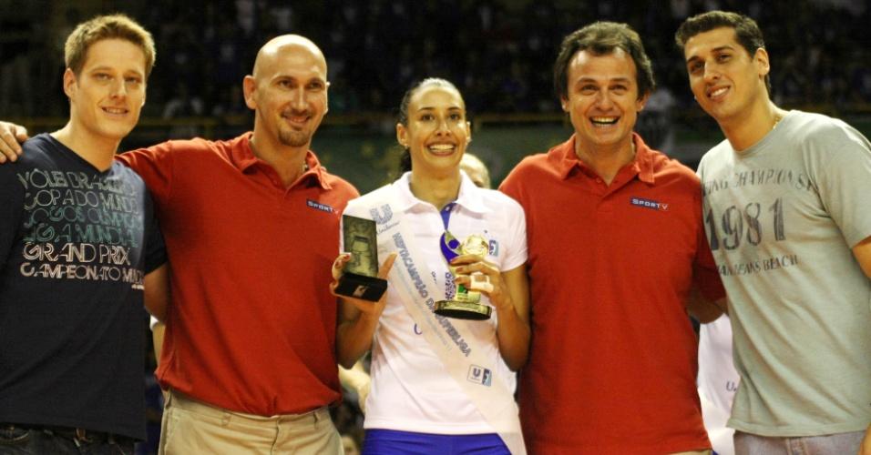 Murilo, Nalbert, Sheilla, Carlão e Sidão são fotografados durante premiação da Superliga 2010/2011