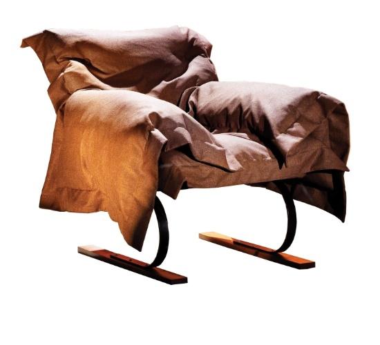 Poltrona de balanço Mess - Design: Roberto Mannes Junior para MDesign