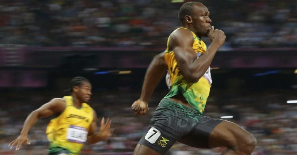 Com Blake no fundo, Bolt domina e ganha o ouro nos 200 m rasos em Londres