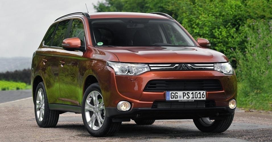 Está é a terceira geração do Outlander, SUV da Mitsubishi que deixará de ser importado e será produzido no Brasil a partir de 2013