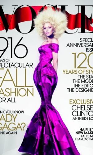 """Lady Gaga está na capa da edição norte-americana da revista """"Vogue"""" de setembro"""
