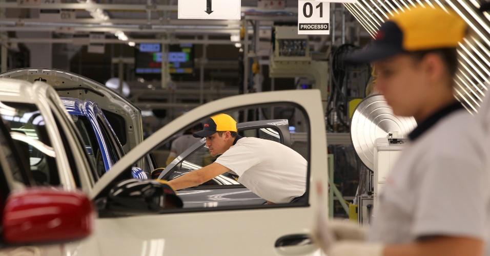 A Toyota também fará outra fábrica em Porto Feliz (SP) que, a partir de 2015, fará 200 mil motores para o Etios (1.3 e 1.5) e para o Corolla (1.8 e 2.0)