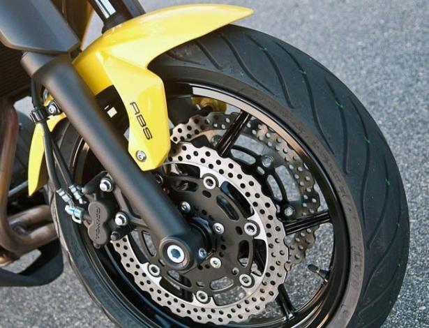 ABS: se o uso será obrigatório nos carros nacionais a partir de 2014, por que não nas motos?