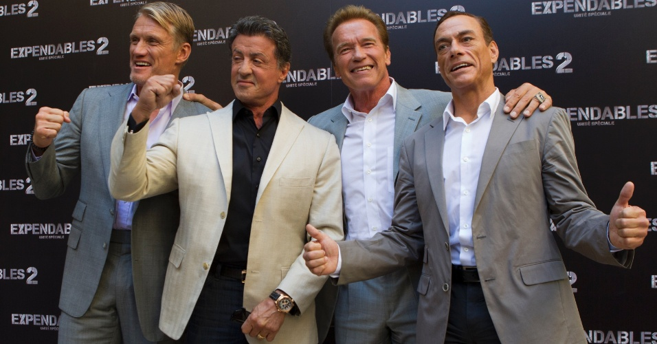 Os astros Dolph Lundgren, Sylvester Stallone, Arnold Schwarzenegger e Jean-Claude Van Damme foram &#224; pr&#233;-estreia de &#34;Os Mercen&#225;rios 2&#34; nesta sexta (10), na Fran&#231;a (10/8/12)