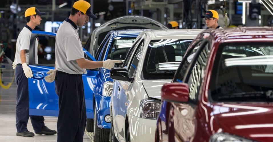 Também já está acertada a contratação de novos funcionários para o segundo turno de produção, elevando o total de empregos para 2.000