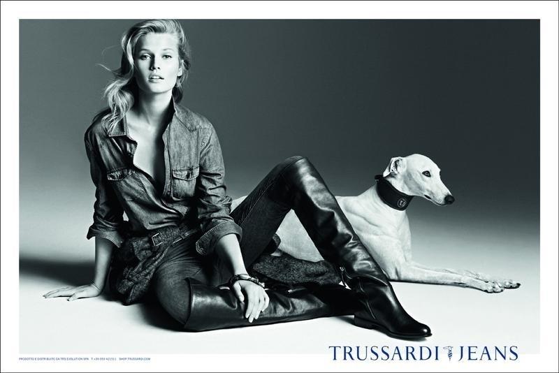Toni Garrn na campanha Inverno 2012 da Trussardi Jeans