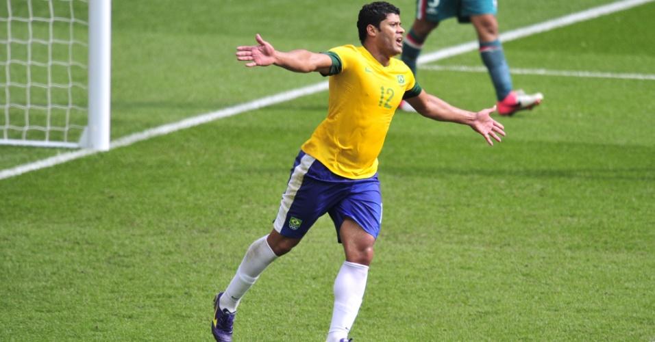 Hulk comemora o gol de honra do Brasil na derrota para o México na final da Olimpíada-2012