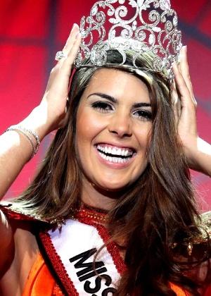 Francine Pantaleão, 23, de Jaú, é coroada Miss SP