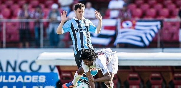 Kleber, do Grêmio, criticou atletas e ambiente do Palmeiras