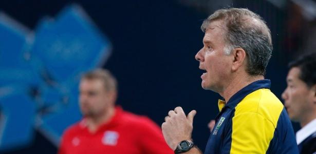 Bernardinho está no comando da seleção brasileira desde 2001, e fica até 2016