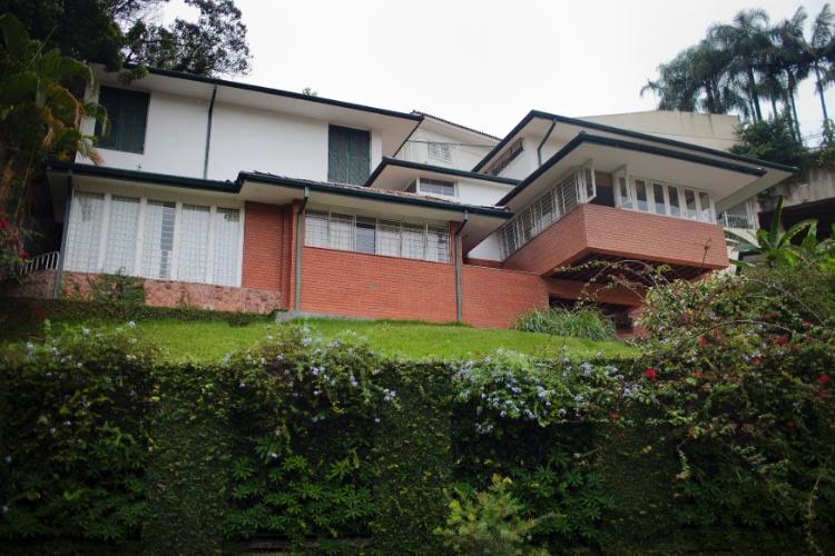 Casa modernista assinada pelo arquiteto brasileiro João Batista Vilanova Artigas (1915-85), comumente associado à chamada Escola Paulista