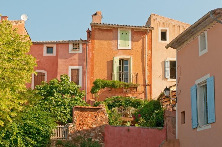 Casas provençais - da região de Provença, França - datadas da época medieval