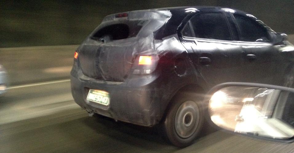 Chevrolet Ônix é avistado na avenida Salim Farah Maluf, Zona Leste da capital, próximo da ligação com o ABC Paulista na noite do domingo (12)