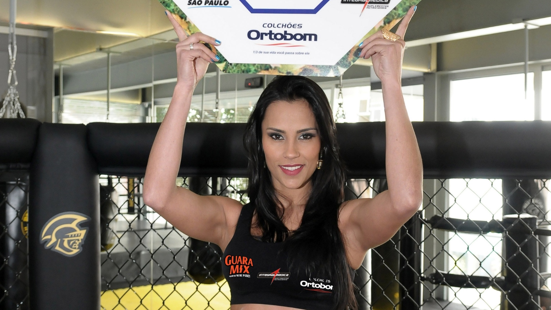 Ex-BBB Kelly Medeiros será Ring Girl no Jungle Fight 42, que ocorrerá dia 18 de agosto no ginásio do Estádio do Pacaembu