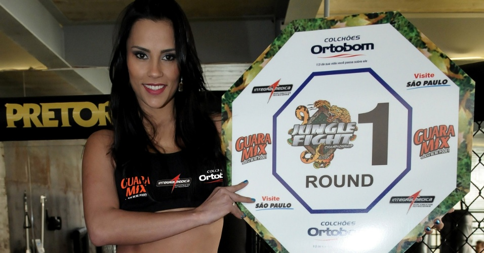 Ex-BBB Kelly Medeiros ser Ring Girl no Jungle Fight 42, que ocorrer dia 18 de agosto no ginsio do Estdio do Pacaembu