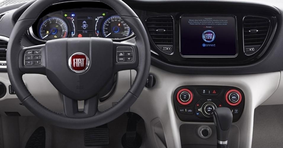 Interior sofreu simplificação drástica em relação ao Dart e voltou a ser típico de um carro normal do segmento, embora ainda conte com mimos como ar digital, volante multifuncional e tela de 8,4 polegadas (opcional) para configurações e entretenimento