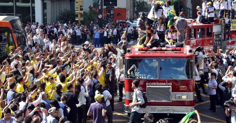 Muita festa da seleção e dos torcedores pelas ruas de São Paulo