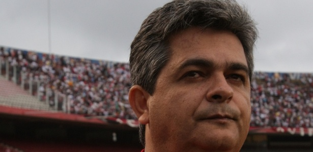 Ney Franco, tcnico do So Paulo, em ao no Morumbi