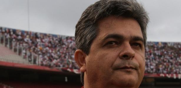 Ney Franco, técnico do São Paulo, em ação no Morumbi