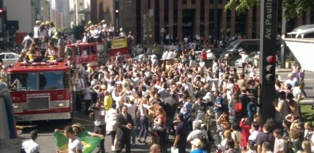 Público tomou as ruas da Avenida Paulista para cumprimentar as campeãs olímpicas