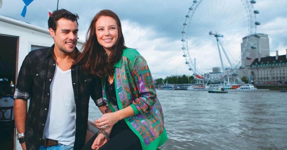 Joaquim Lopes e Paolla Oliveira durante passeio por Londres (15/8/2012)
