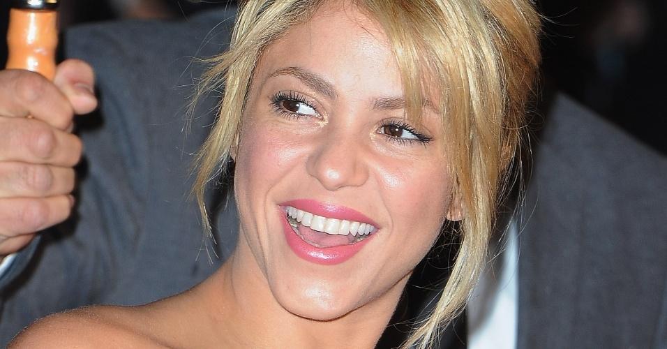 Looks inspiradores - loiras - Shakira