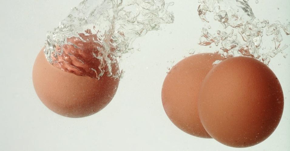 ovos, ovos na água, lavando ovos, ovo