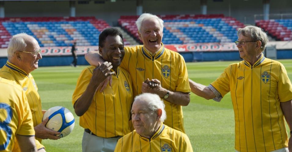 Pelé reencontrou jogadores suecos que disputaram a Copa de 1958