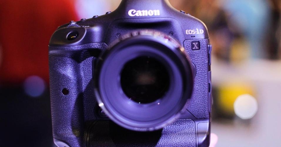 Câmera digital profissional Canon EOS 1DX