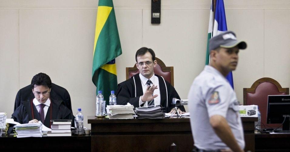 10.mai.2012 - Acusados pela morte de Celso Daniel serão julgados nesta quinta-feira (10) no Fórum de Itapecerica da Serra (Grande São Paulo)