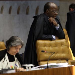 Ministro Joaquim Barbosa durante sessão do julgamento do mensalão